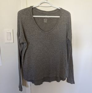 American Eagle grey long sleeved shirt